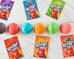 Kool-Aid-Play-Dough-11117